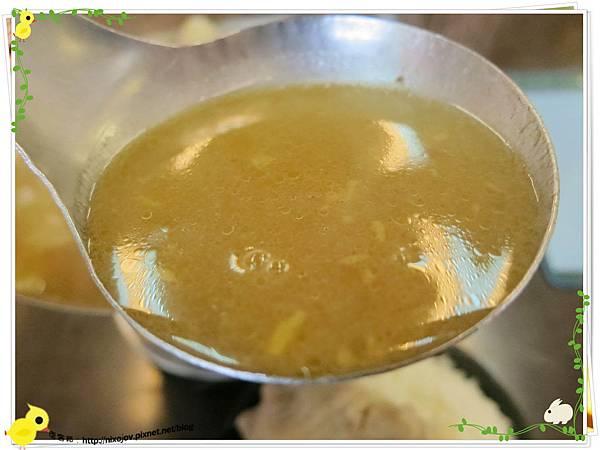 新莊-馨媽香香鍋-『在地人的美味』-大腸臭臭鍋-沙茶湯頭