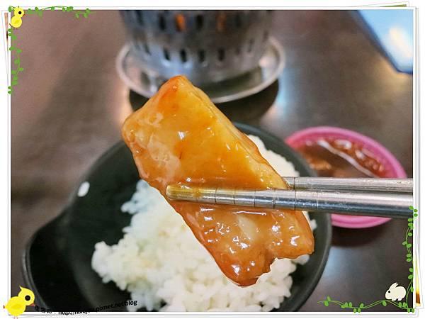 新莊-馨媽香香鍋-『在地人的美味』-大腸臭臭鍋-甜不辣沾豆辦醬