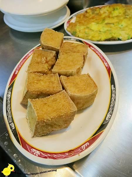 新莊-基隆紅燒鰻-從小到大不變的好味道-雞肉飯、鰻魚湯