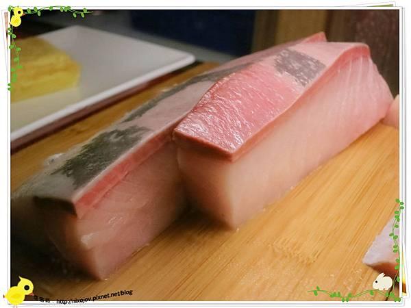 台北-板橋-海禾味刺身壽司屋-炙燒的美味,入口即化-鮭魚生魚片