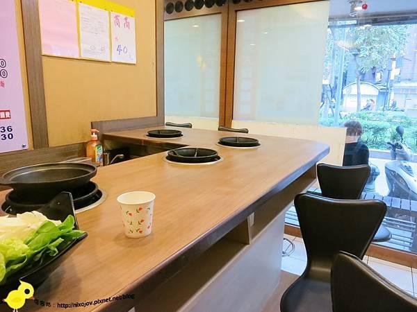 台北-石神石頭火鍋-雙連捷運站旁的火鍋-店內環境