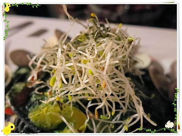 台北-板橋-花吃-花的禮物餐廳-蛤蜊墨魚青醬義大利麵