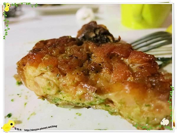台北-板橋-花吃-花的禮物餐廳-雞腿墨魚青醬義大利麵-雞腿