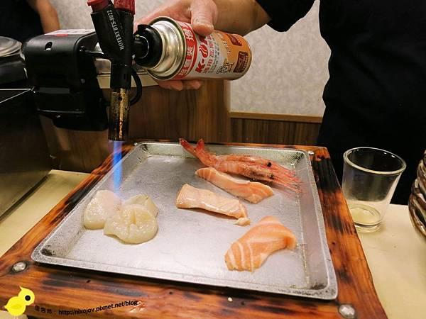 【台北】小六食堂日式料理-傳說中的名店、新鮮吃的到-炙燒鮭魚、比目魚