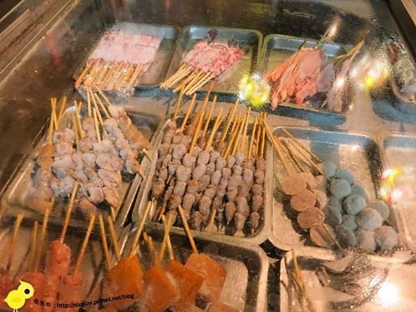 【台北】板橋-WOW!烤串燒店-一起到教室用餐吧-蜜汁烤雞腿