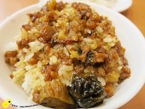【台北】黃記滷肉飯-香噴噴的魯肉飯95分-晴光市場