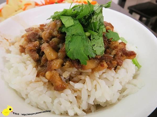 【新莊】家傳魯肉飯-菜單種類多樣化