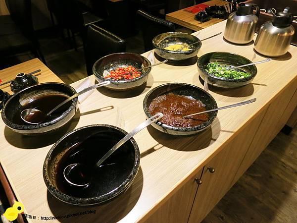 【台北】四川紅頂級乾鍋料理-正統四川煲鍋-醬料