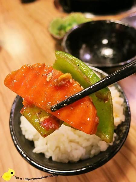 【台北】四川紅頂級乾鍋料理-正統四川煲鍋-雞腿排骨煲鍋