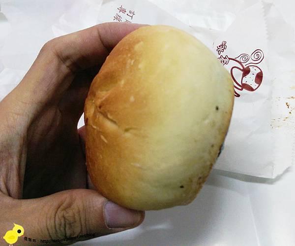 【新莊】缸爐碳烤燒餅舖-包肉的碳烤餐包?烤肉包