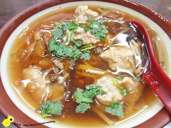 【新莊夜市】林家香菇赤肉焿-現做現炸雞捲