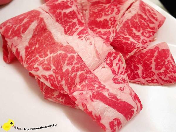 【台北】滿堂紅頂級麻辣鴛鴦火鍋吃到飽(復興店)-美味牛小排、霜降牛肉不吃後悔
