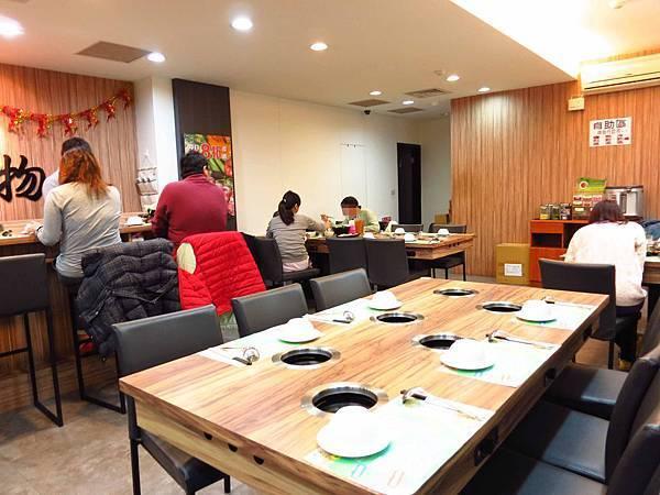 【新莊火鍋】菁萃鍋物-蔬菜湯頭清爽不油膩、美味海鮮盡在裡頭
