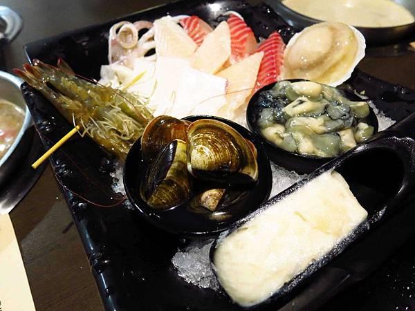 【新莊火鍋】二木坊日式涮涮鍋火鍋店-活蝦群舞美味鮮甜