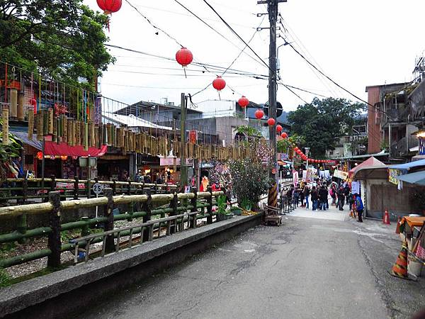 【台北旅遊】地質野柳、懷舊九份、十分放天燈包車一日遊