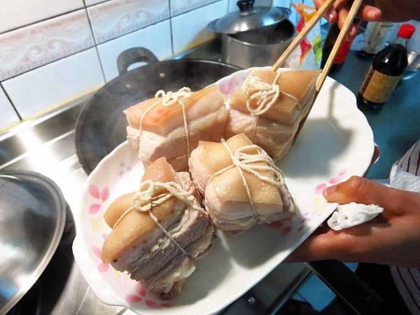 【型男大主廚-簡單來下廚】親手做東坡肉-給媽媽母親節最好的禮物