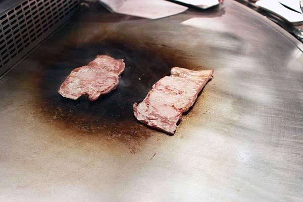 【台北】2011鐵板燒餐廳-伊比利豬料理-台北捷運劍潭路站美麗華旁