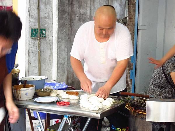 【三重早餐】三重蛋餅大王-滿滿的蔥花雙蛋蔥油餅