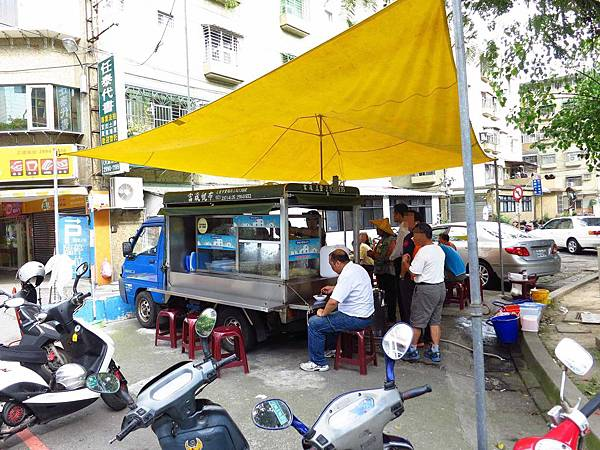 【新莊冰店】粉條冰-夏天才有開的粉條冰店-新泰公園新泰國小公園路