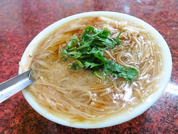 【桃園火車站美食】鶯歌(張)麵線羹-清爽夠味的麵線羹