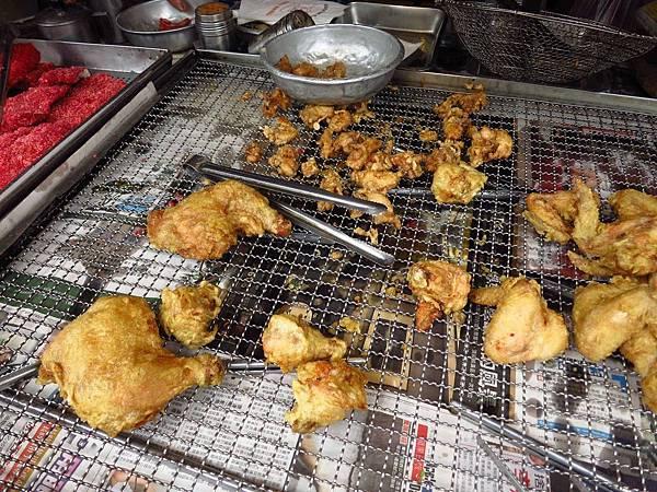 【三重美食】黑呱呱炸雞-只開早上的美味鹹酥雞