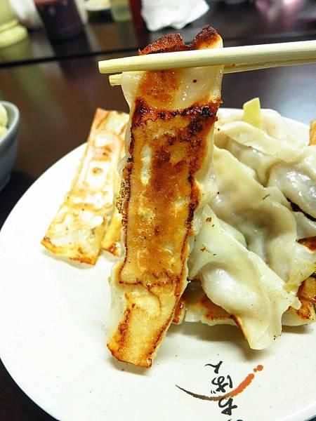 【中和美食】香珍鍋貼水餃專賣店-酥脆外皮的鍋貼