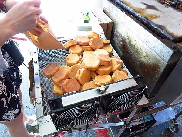 【新竹】站前梅花雞蛋糕-銅板5元美味小吃