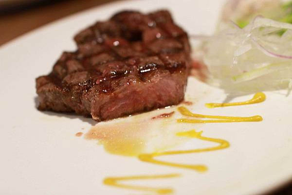 【新莊牛排館】超越原味炭烤牛排-安格斯、Prime原汁原肉的美味-輔大