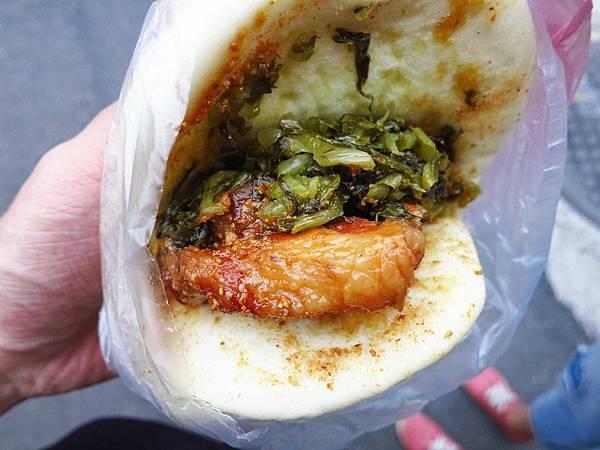 【三重早餐】無名刈包-超大控肉刈包-後竹圍街