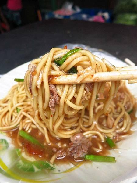 【蘆洲夜市】汪派沙茶羊肉-人潮滿滿的羊肉麵