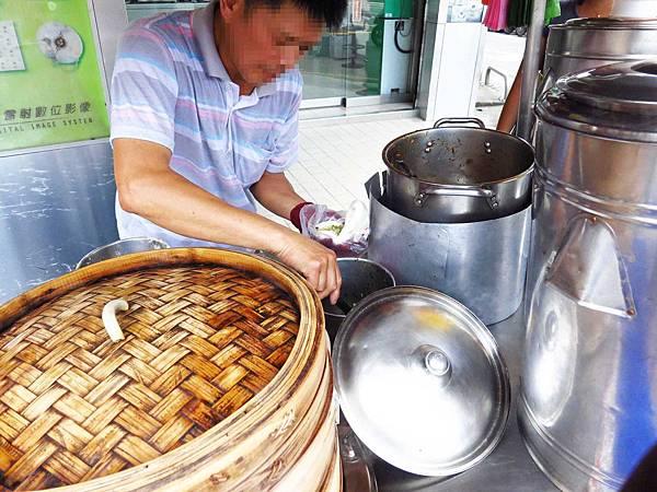 【新莊小吃】中平路刈包店-35元超美味刈包