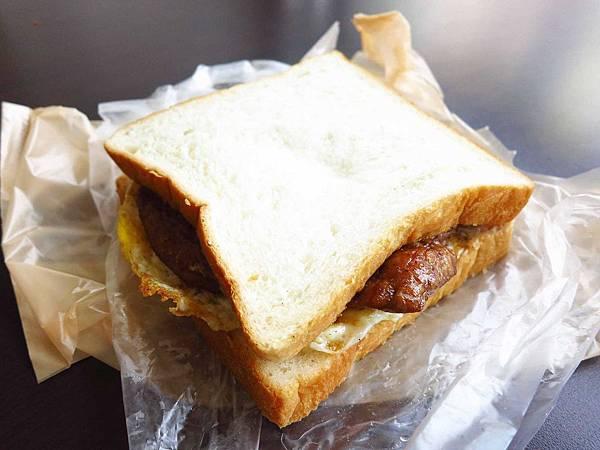 【桃園早餐】朝司暮想-肉排蛋吐司