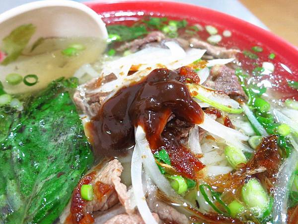 【新莊越南料理】越南小吃-湯鮮、美味的牛肉河粉