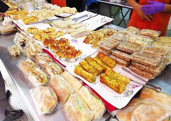 【新莊早餐】千豪豆漿店-四十多種手工餐點選擇-手工蛋餅
