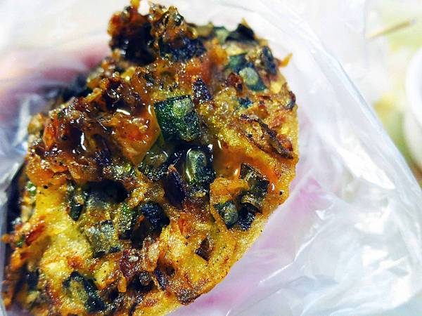 【三重小吃】文化北路蚵嗲-便宜好吃的蚵嗲、蘿蔔糕
