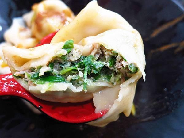 【中和美食】鼎鮮飯麵-神奇無敵泡菜牛肉肉醬飯-四號公園圖書館