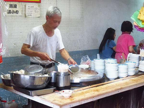 【三重美食】朱記花枝羹-超人氣排隊美食老店