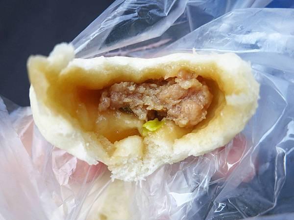 【三重美食】二重國小轉角小籠包-1顆6元便宜又美味