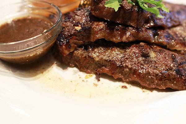 【宜蘭餐廳】久賀牛排-高級西式餐廳約會的好所在