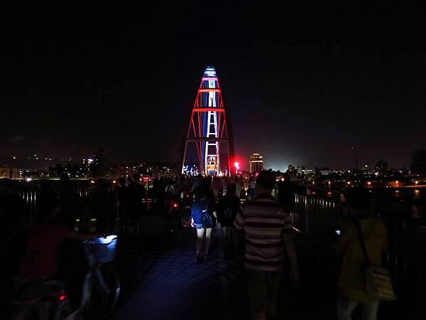 【新莊旅遊】新月橋-散步、河景、美麗橋墩盡收眼底-板橋