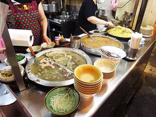 【桃園美食】南門市場美食-隱藏在熱鬧市場裡的美味小吃