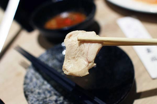 【台北餐廳】牛ㄅㄟㄅㄟ-台灣溫體黃牛涮牛肉火鍋,美味直送