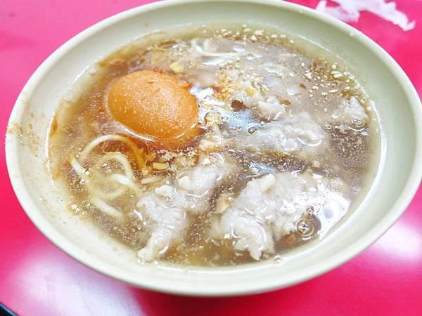 【三重美食】文化北路肉羹麵-加1元多一顆魯蛋