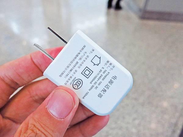 【出國自由行必備利器】GiveMeFi無線上網WIFI機-不限流量,市場超低價、便宜