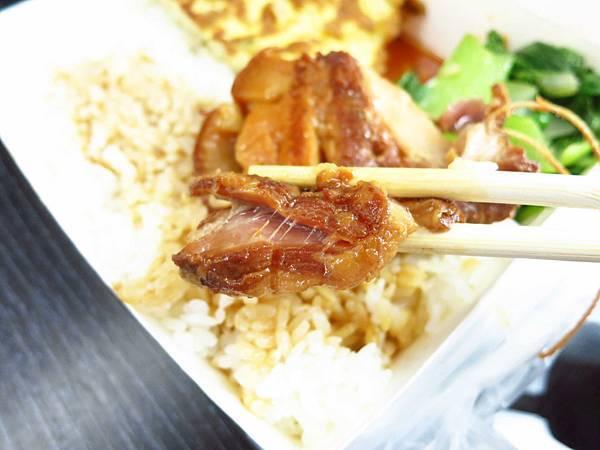 【三重美食】阿榮師東坡肉便當-焢肉飯的升級版