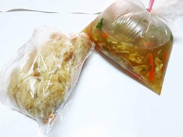 【新莊美食】締旺油飯-隱藏在菜市場裡的美食