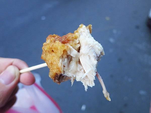 【新莊美食】化成路炸雞店-不到三小時賣光光