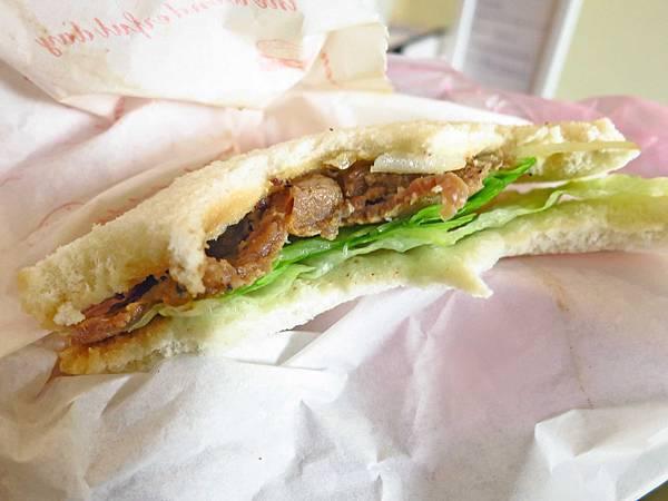 【桃園美食】史丹漢堡-燒肉蛋吐司進化版