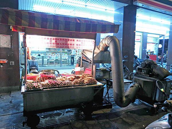 【新莊】蔡家碳烤-香味四溢的烤肉香