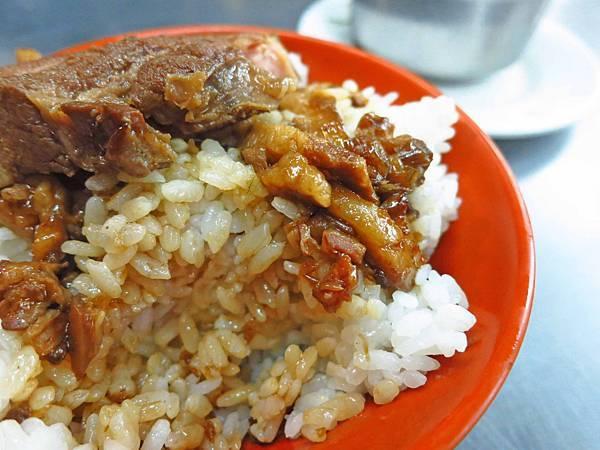 【三重美食】吉祥雞肉飯-30元焢肉飯CP值爆表